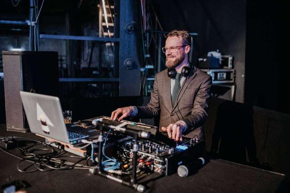 Event DJ Berlin Greg Oorange im Kesselhaus - Spaß bei der Arbeit