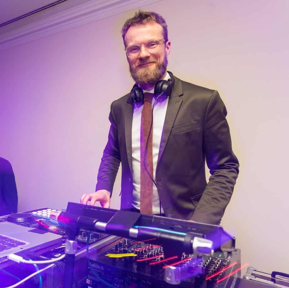 Event DJ Berlin Greg Oorange 2018 im Westin Grand 01.jpg Event DJ Berlin Greg Oorange 2018 im Westin Grand im Gala Dress