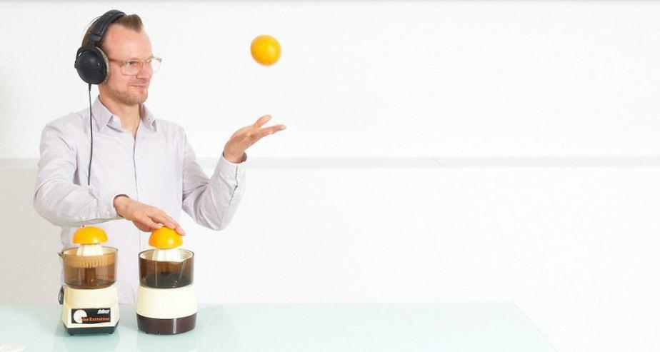 DJ Greg Oorange lässt Orange fliegen
