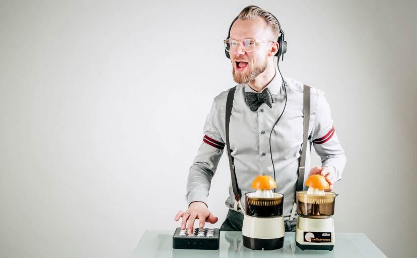 DJ Greg Oorange freut sich