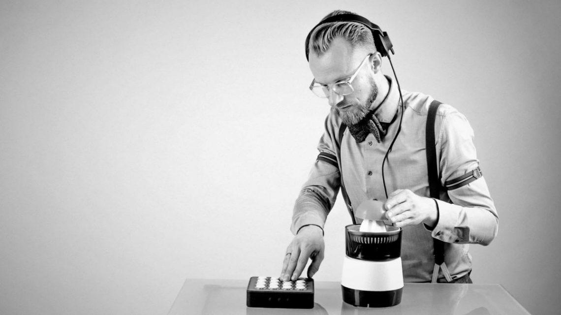 Event DJ Berlin Greg Oorange für nachhaltige Events und lebhafte Klubnächte